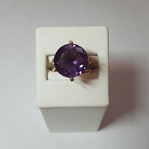 Jewelry - 14K Yellow Gold Huge Amethyst Ring - Estate Sale